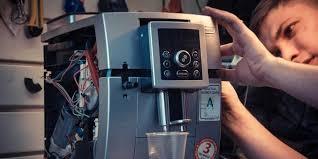 Профессиональная очистка кофемолок и дозаторных систем в современных кофемашинах