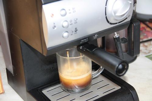 Чистка дренажного канала кофемашины