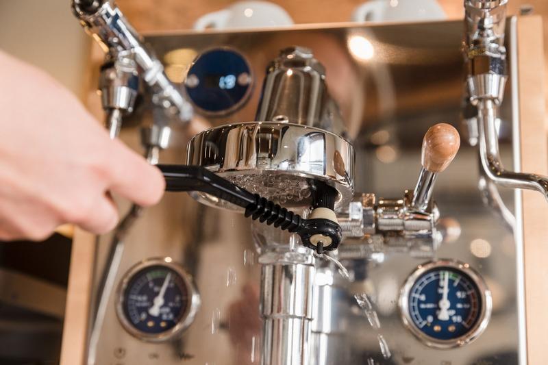 Чистка кофемашин Saeco, Delonghi, Bosch - coffee-service